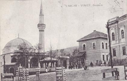 Kolobara - gradski trg u Varcar Vakufu sa Kizlar-aginom džamojom: poštanska karta s početka XX stoljeća