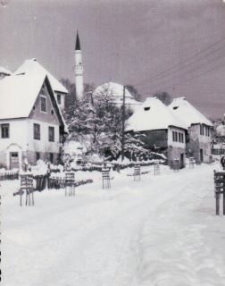 pogled na džamju iz donje mahale