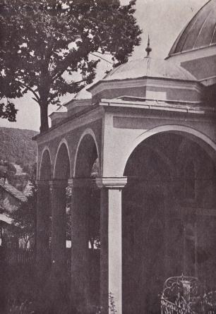 kizlar agina džamija - male kupole