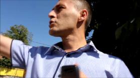 Mufid Huskić, smaovoljni i drski Glavni imam Džemata Mrkonji-Grad; on vriješa i psuje, poziva policiju n osnovu svoje lažne prijave, uz podršku lažnih svjdoka