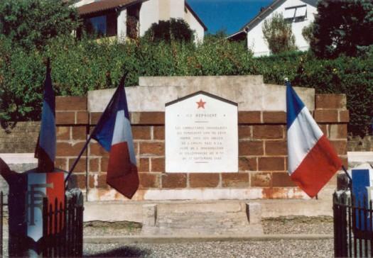 Spomenik_u_Villefranche_de_Rouergueu