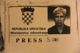 """Iskaznica za suradju u listu """"Republika BiH"""" koji je izlazio u Splitu 1992."""