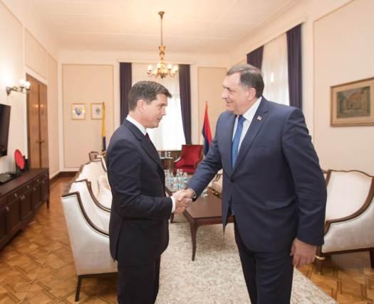 Dodik i Nelson